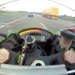 VIdeo Balap Motor Kawasaki ZX-10R vs 700HP Audi RS6 ABT