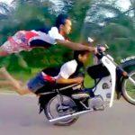 Video Aksi Gila Motor Stunt Di Jalanan